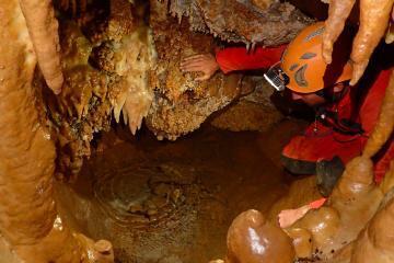Initiation spéléo dans la grotte de Plérimond