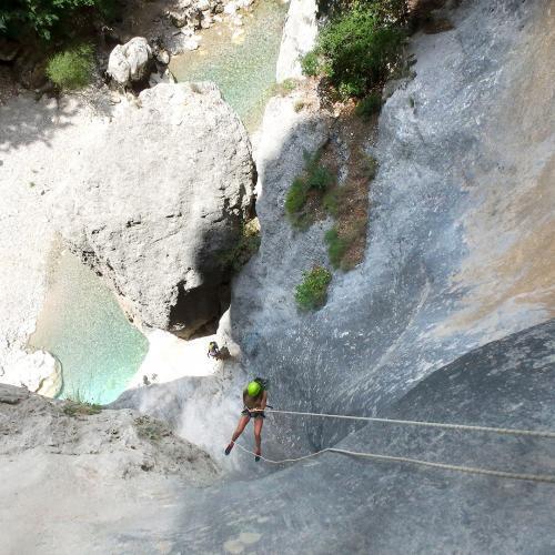 Canyoning sportif et vertical de la Ferné dans les gorges du Verdon avec ROCKSIDERS